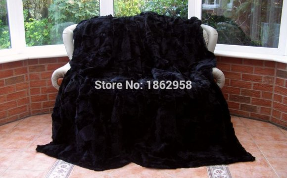 Pelts Blanket Rich Black