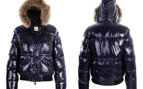 Jacket With Fur Hood Re