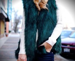 Emerald Green Faux Fur Vest_What Would V Wear_Vanessa Lambert