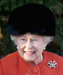 Queen Elizabeth, December 25, 2013 | The Royal Hats Blog